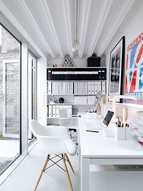 workspace-biely-minimalizmu
